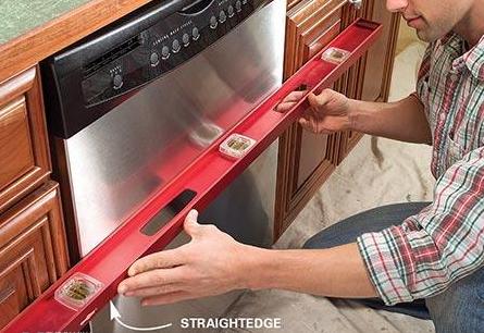 Проверка уровня посудомоечной машины