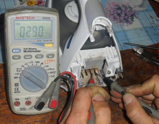 Проверка утюга с помощью мультимера