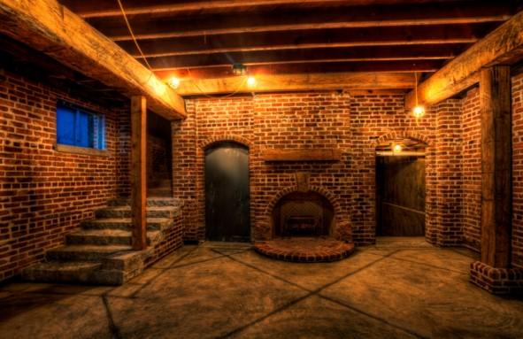 Как сделать освещение в подвале жилого дома, гаража