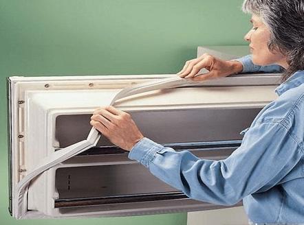 Крепление уплотнителя на холодильнике