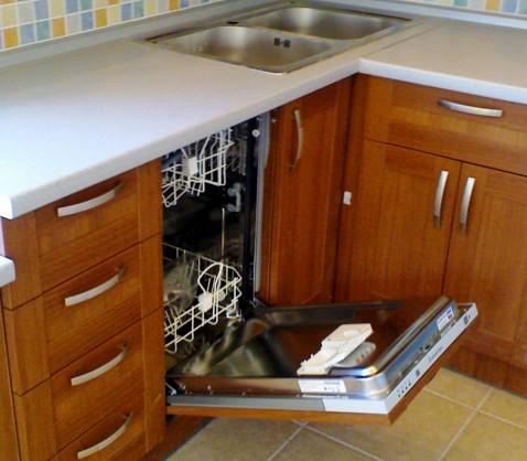 Корпус посудомоечной машины в кухонном гарнитуре