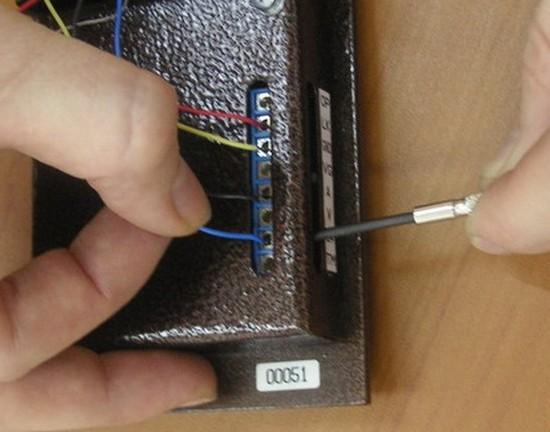 Подключение проводов в домофон