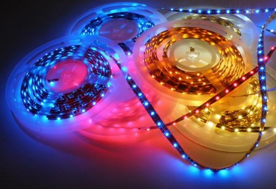 Светодиодная лента для подсветки дома уличная 220 В