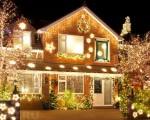 Светодиодная лента для улицы: установка на дерево, дом, баннеры