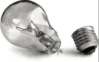 лопнула лампочка, как выкрутить из патрона