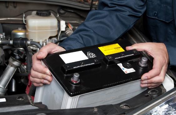 Как заменить автомобильный аккумулятор самостоятельно
