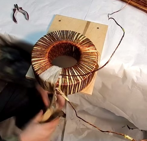 Обмотка трансформатора лентой