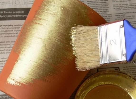 золотистая труба для электропроводки