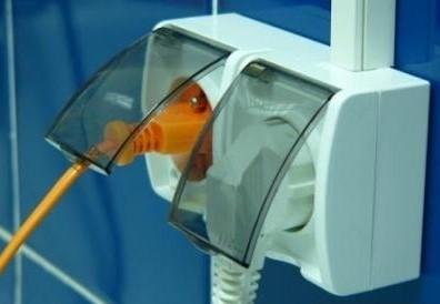 Комплектующие для электропроводки в ванной