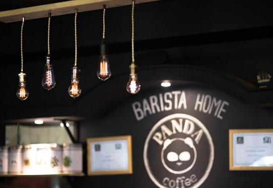 Лампы Эдисона в баре