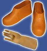 резиновые перчатки и сапоги