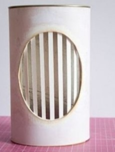клеем бумагу на светильник