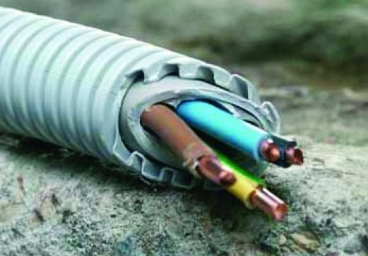 Монтаж кабеля в гофре