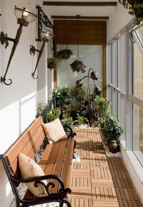 На какой высоте крепить бра на балконе