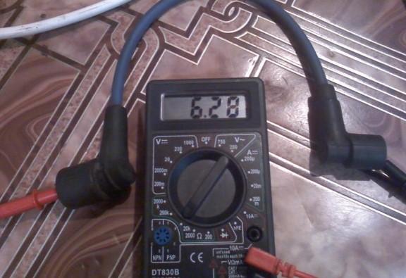 измеряем сопротивление высоковольтного провода
