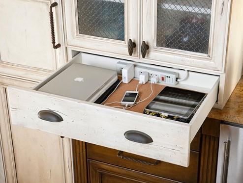 Удлинитель в кухонном ящике