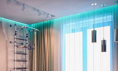 пример подсветки штор лентой