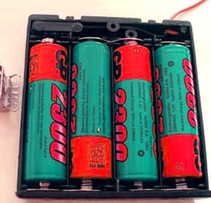 Зарядка аккумулятора батарейками
