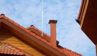 Молниезащита деревянного дома: устройство и монтаж